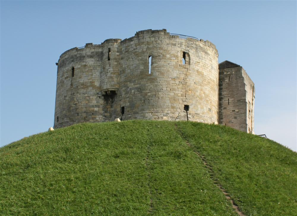 cliffords-tower.jpg