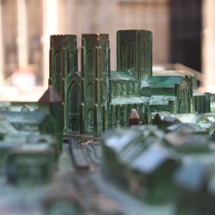 Model in front of the Minster - Looking along Duncombe Place